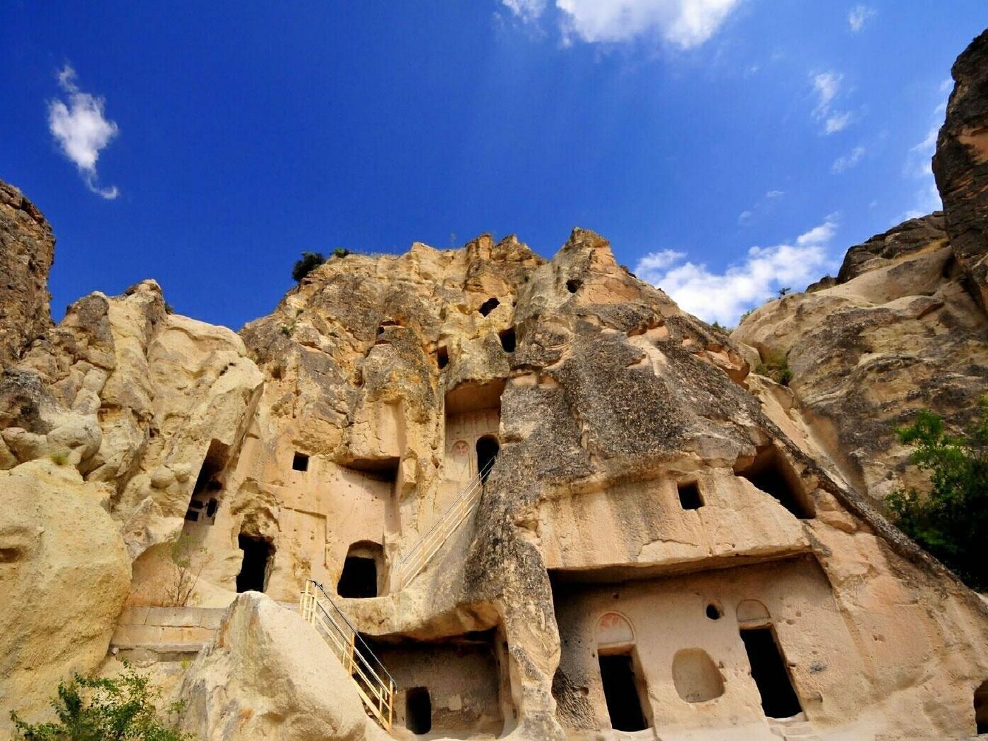 Mencari Jejak Manusia Hijau di Kappadozia yang Tinggal Kerucut Batu